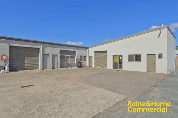 (L) Unit 4, 19 Jambali Road Port Macquarie NSW 2444 - Image 1