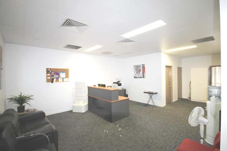 Tannachy House, Unit 2a - 49 BOLSOVER STREET Rockhampton City QLD 4700 - Image 3