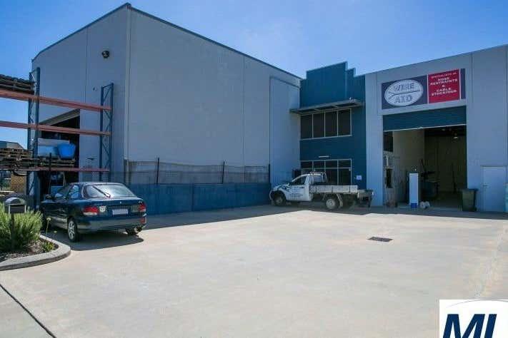 Unit 1, 34 Tacoma Circuit Canning Vale WA 6155 - Image 4