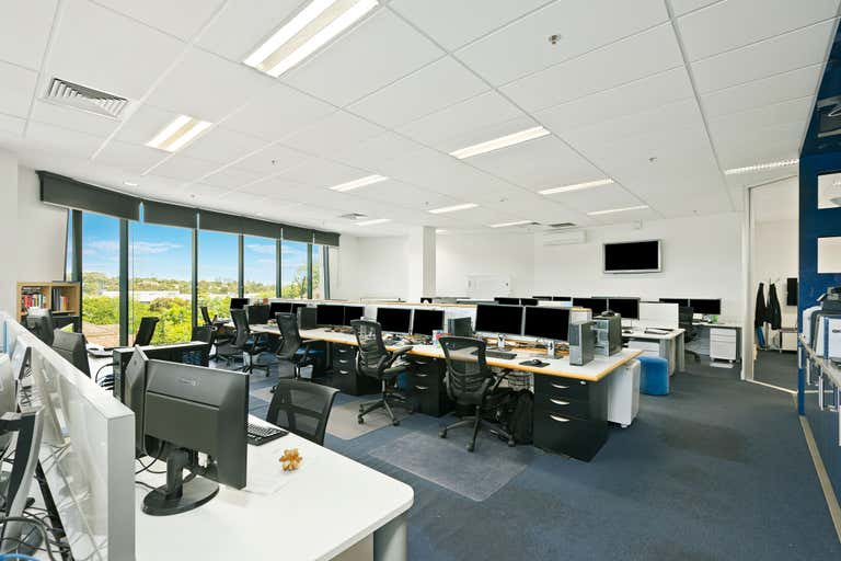 Suite 201, 1 Crescent Road Glen Iris VIC 3146 - Image 2