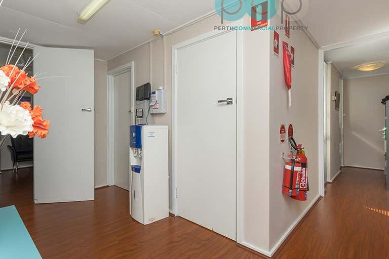 1/440 Flinders Street Nollamara WA 6061 - Image 4