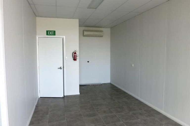 1/19 Bell Street Chinchilla QLD 4413 - Image 2