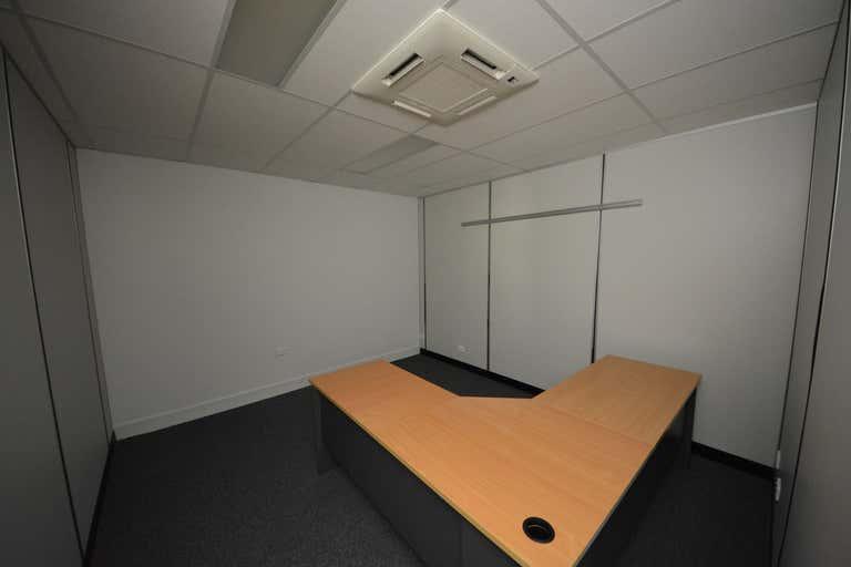 Ground Floor, 39 Gladstone Road Allenstown QLD 4700 - Image 4