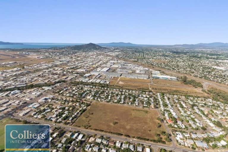 2 Karanya Street Mount Louisa QLD 4814 - Image 3