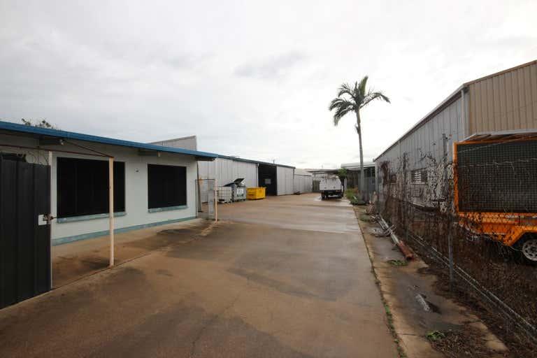 Unit 2, 9 Bain Street Currajong QLD 4812 - Image 2