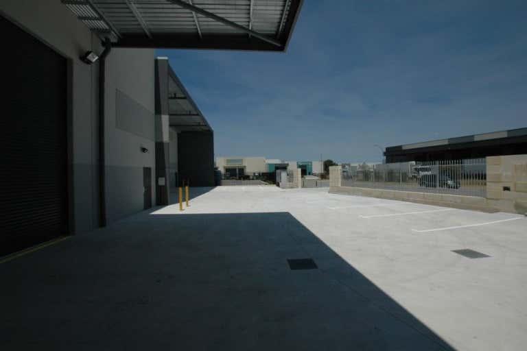 58 Tacoma Circuit Canning Vale WA 6155 - Image 4