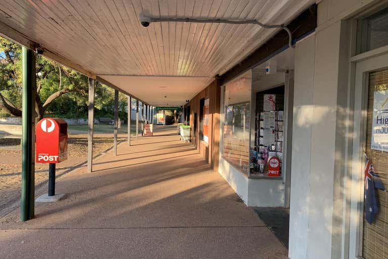 15 Main Street Eildon VIC 3713 - Image 3