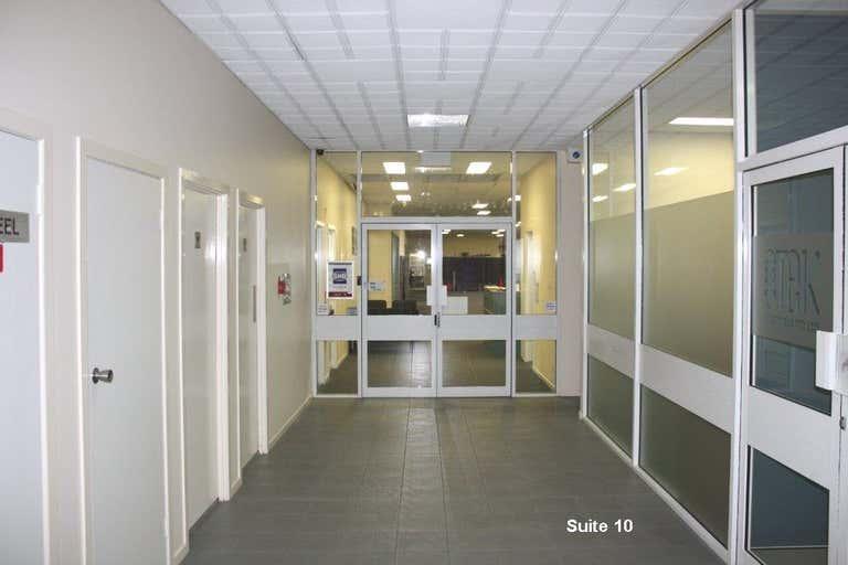 Yeerongpilly Corporate Park, 96 Wilkie Street Yeerongpilly QLD 4105 - Image 4