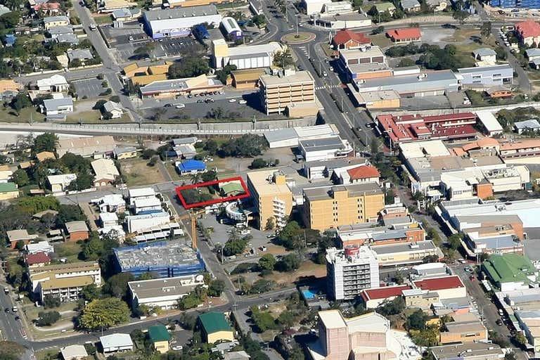 10 William Street Gladstone Central QLD 4680 - Image 3