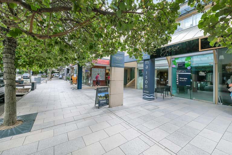 4/5 Hastings Street Noosa Heads QLD 4567 - Image 2