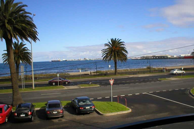 5/11 Beach Street Port Melbourne VIC 3207 - Image 2