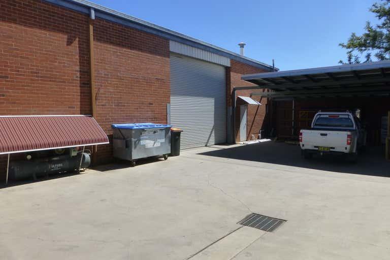 2/125 Gunnedah Road Tamworth NSW 2340 - Image 2