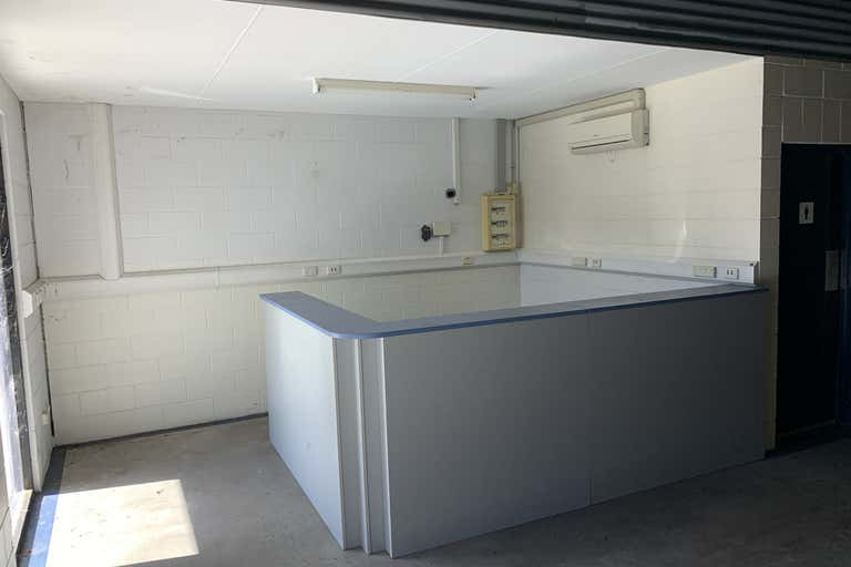 Unit 2, 138 George Street Allenstown QLD 4700 - Image 2