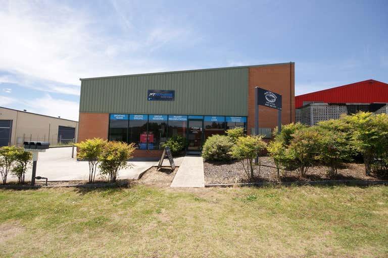 1/7 Chisholm Court Wodonga VIC 3690 - Image 3