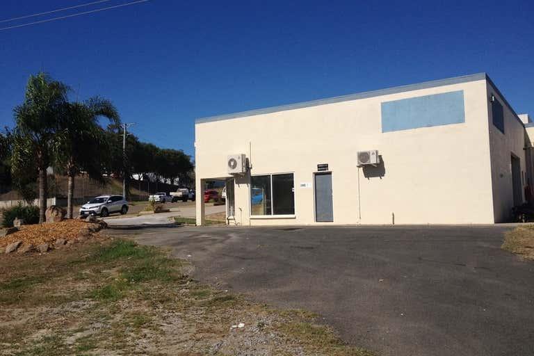 3/2 Dennis Street Boyne Island QLD 4680 - Image 2