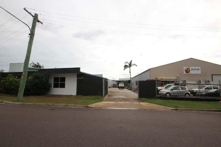 Unit 2, 9 Bain Street Currajong QLD 4812 - Image 3
