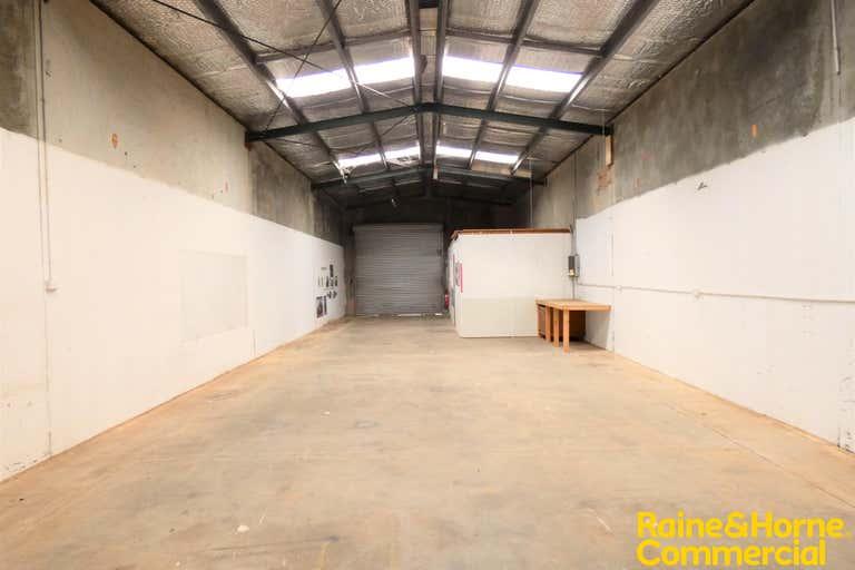 (L) Unit 2, 18 Blackbutt Road Port Macquarie NSW 2444 - Image 4