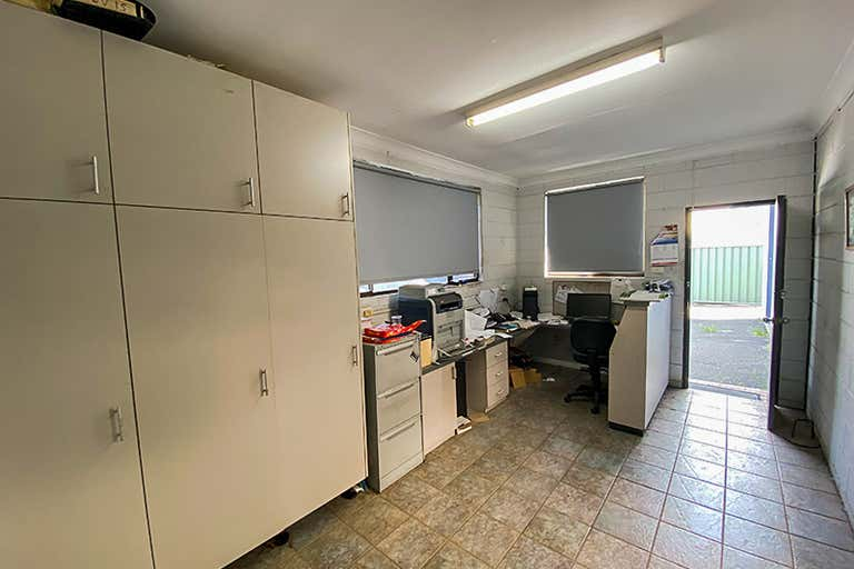 6 Lyster Street Coffs Harbour NSW 2450 - Image 3