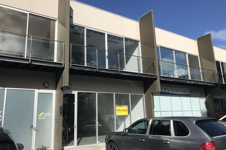 133/15 Hall Street Port Melbourne VIC 3207 - Image 2