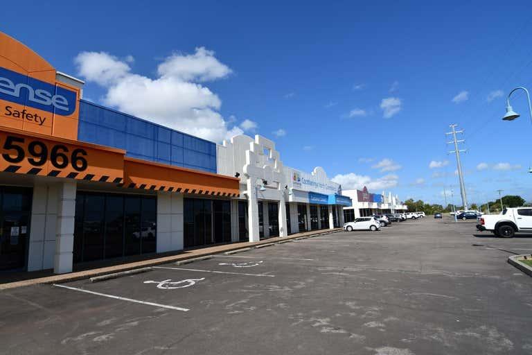7/264-278 Woolcock Street Currajong QLD 4812 - Image 2