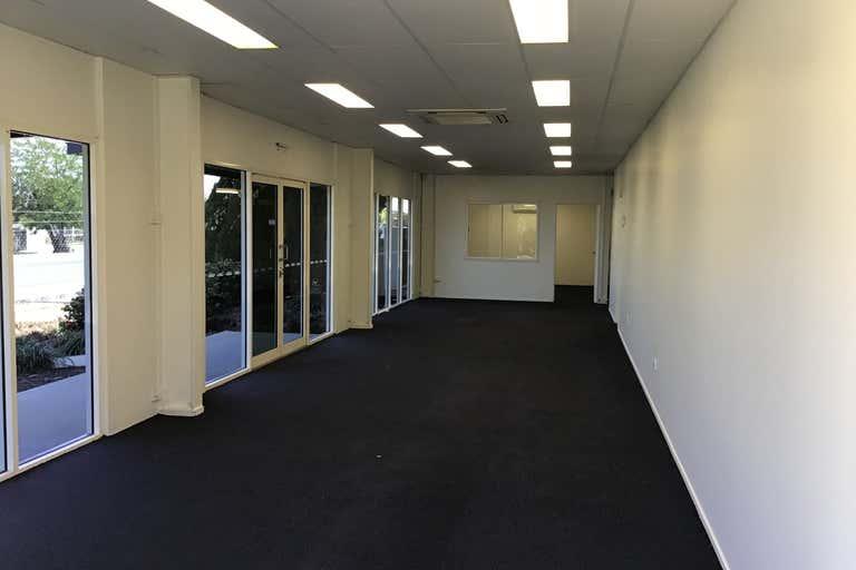 1/192 Alexandra Street Kawana QLD 4701 - Image 2