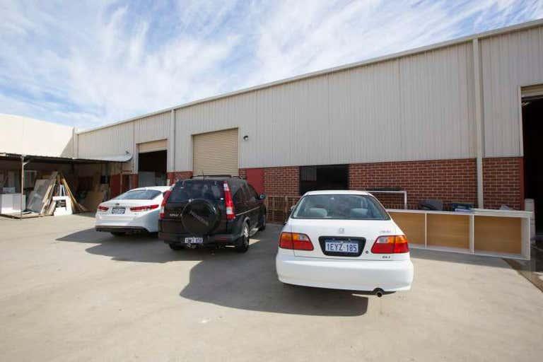 4/13 Oxleigh Drive Malaga WA 6090 - Image 1