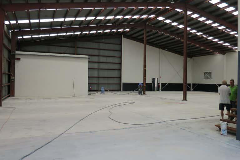 3 Pendrey Court Woodridge QLD 4114 - Image 2