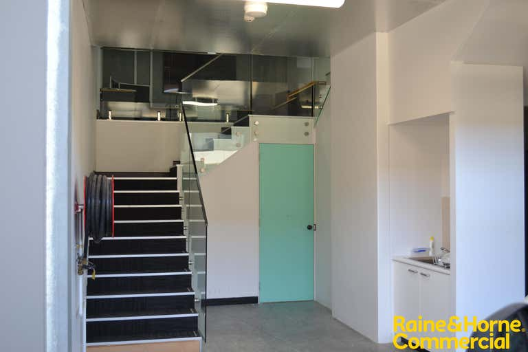 18/76B Edinburgh Road Marrickville NSW 2204 - Image 2