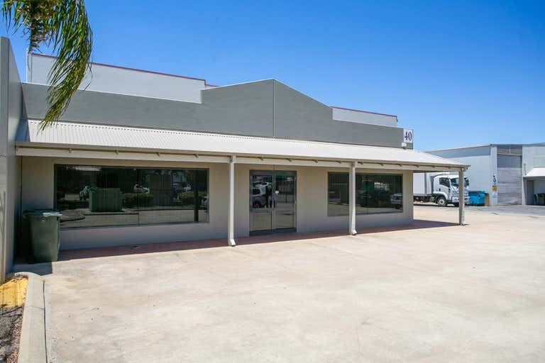 40 Sorbonne Crescent Canning Vale WA 6155 - Image 1