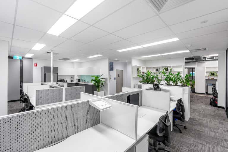 5 Kyabra Street Newstead QLD 4006 - Image 2