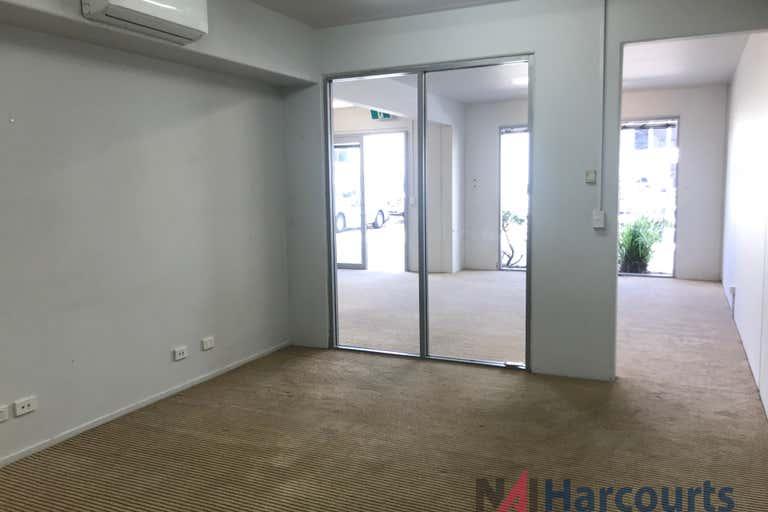 24/75 Waterway Drive Coomera QLD 4209 - Image 2