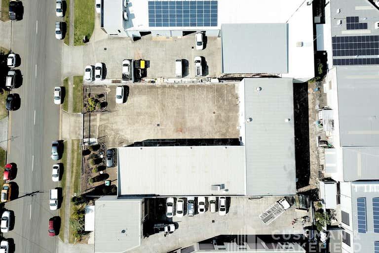 12 Barnett Place Molendinar QLD 4214 - Image 2