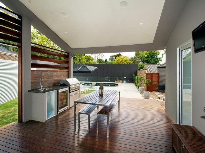Outdoor living design with bbq area from a real Australian ... on Aust Outdoor Living id=41631