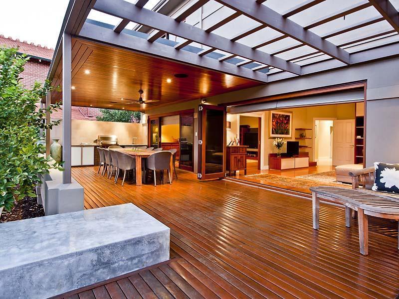 Indoor-outdoor outdoor living design with verandah ... on Ab And Outdoor Living id=29624