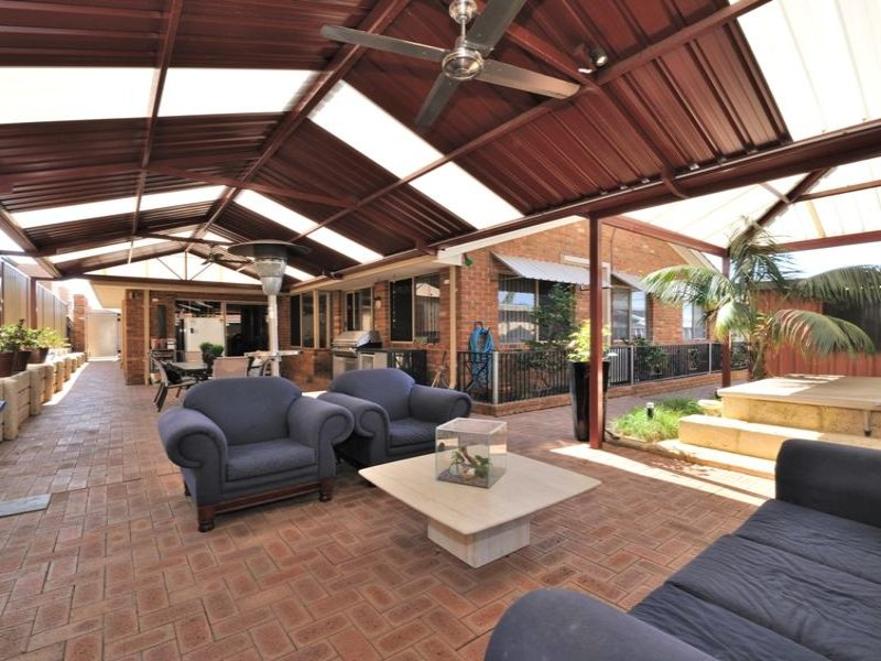 Enclosed outdoor living design with glass balustrade ... on Enclosed Outdoor Living Spaces id=84114